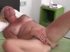Sexy solo blond mature masturbates box