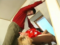 Randy mature secretary doing her fucking chores while blowing strong cock